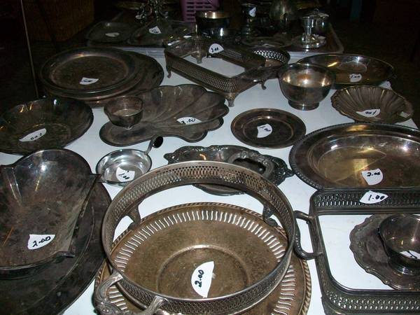 SILVER AND SILVER PLATED SERVING DISHES  BROWNSBORO