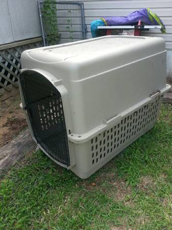 XL PET CARRIER DOG HOUSE - $45 (ben wheeler)