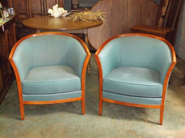 Beautiful Vintage Round Bucket Chairs -   x0024 175  palestine tx