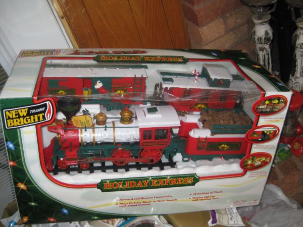 New Bright Train Holiday Expess - $50 (gilmer)