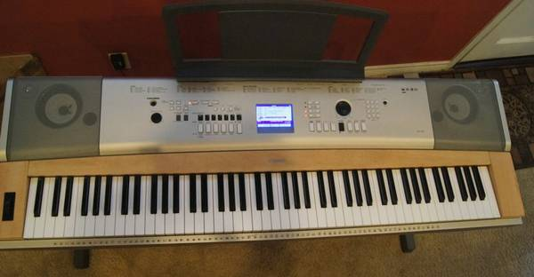 Yamaha ypg 635 88 key weighted portable grand piano for sale for Yamaha tyler tx