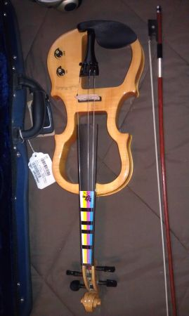Barely used Electric Violin Outfit(Carlo Robelli - $150 (Longview)