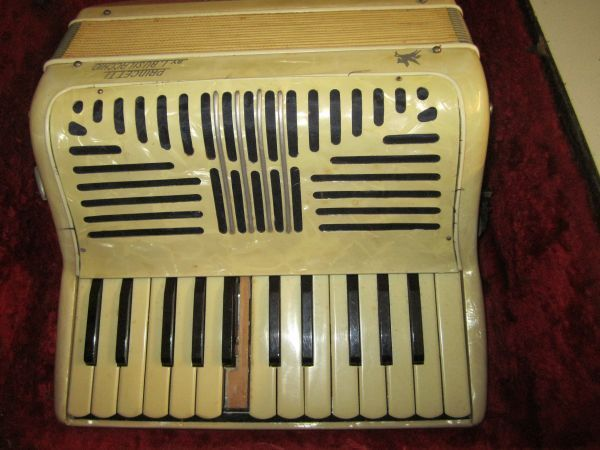Vintage Princetti Accordion Made in Italy - $165 (Tyler, TX)