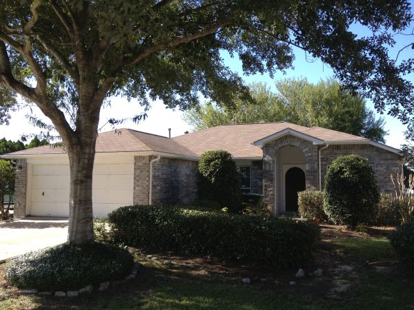 $1600 3br - 1795ftsup2 - Home with Remodeled Kitchen on a Golf Course (Dickinson)