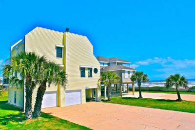 4br - Beautiful Almost Beachfront Home Sleeps 20 (Galveston)
