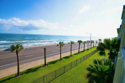 ABSOLUTE PARADISE beach condo for MARDI GRAS in Galveston wRyson (Dawn Condos)