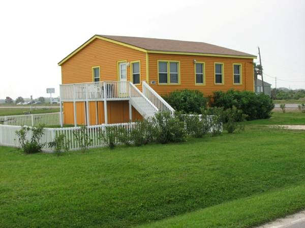 - $240 3br - 1100ftsup2 - Pet Friendly Beach House (Galveston, West End)