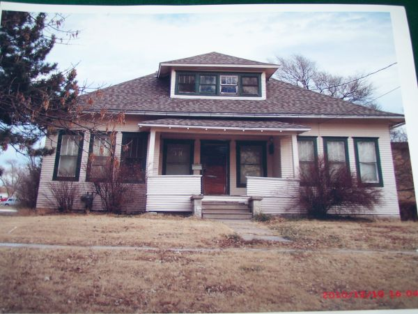$15700 3br - 1178ftsup2 - 2 story home get new start (osborne, kansas)