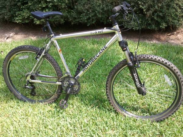 Motobecane 300ht mountain bike - $175 (Spring)