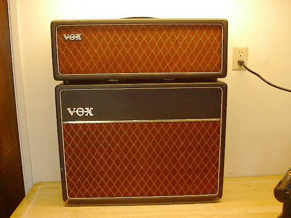 Trade 1962 VOX AC30 Tube Guitar Amp Towards Sailboat