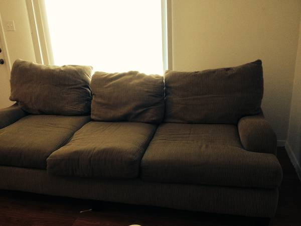 REDUCED Brand new couch for sale -   x0024 100  galveston