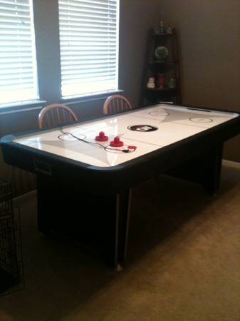 Air Hockey Table - $100 (Hitchcock)