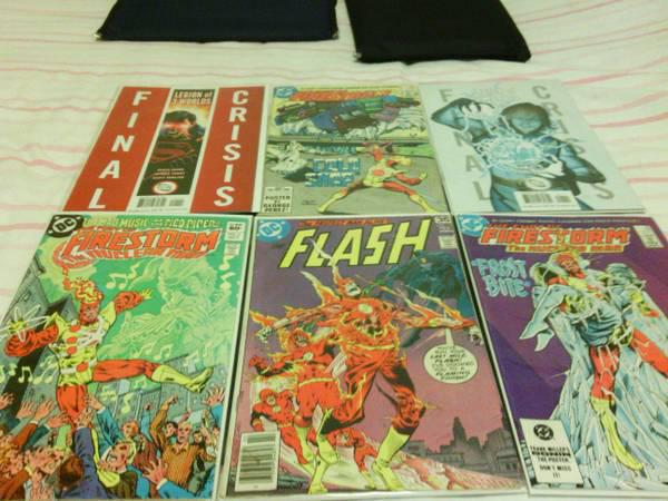 15  Selling SET 2 of Comic Books of FlashFirestormSuperBoy Prime Final Crisis Plus Movie Cells from