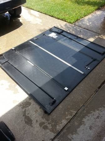 fold-a-cover truck bed cover - $600 (santa fe)