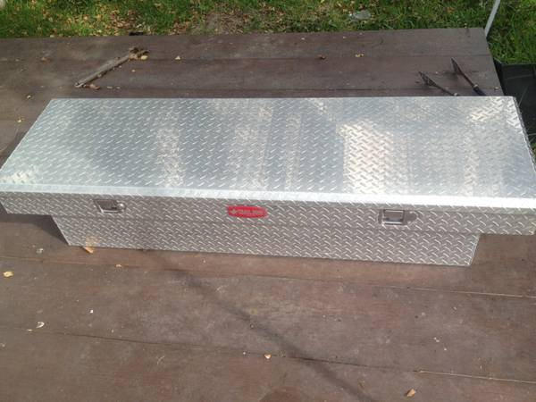 Diamond Plate Toolbox - $125 (Galveston)