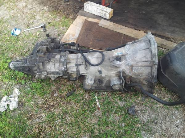 4L60E transmission and transfer case - $300 (san leon)