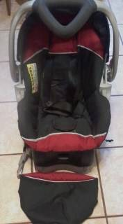 Baby Trend Flex Loc Infant Car Seat and Base - $45 (GalvestonCrystal Beach)