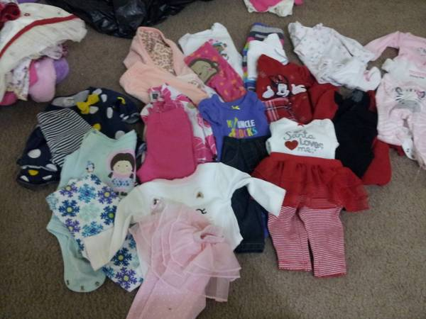 Infant Girl Clothes NB-3mths - $1 (Dickinson)