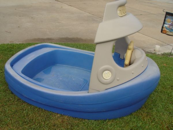 Step 2 Tugboat Sandbox - $20 (Santa Fe)