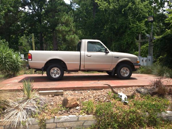 1998 Ford Ranger 224874 miles 4-Cylinder - $3999 (dickinson tx)
