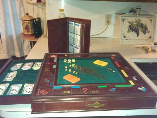 Franklin Mint Collectors Edition Monopoly - $250 (Angleton, TX)