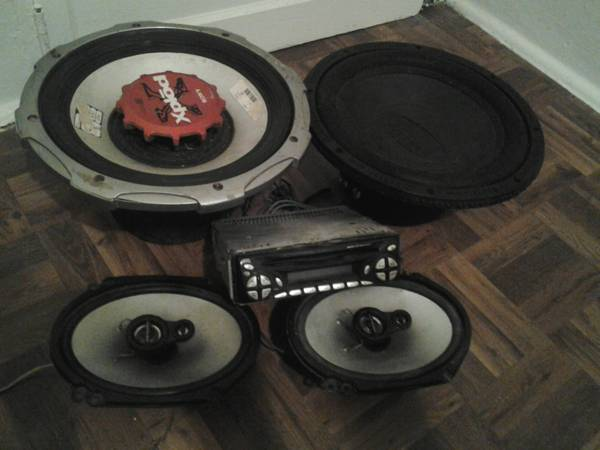 Car Stereo, 2 Speakers  2 Subwoofers - $50 (Galveston TX)