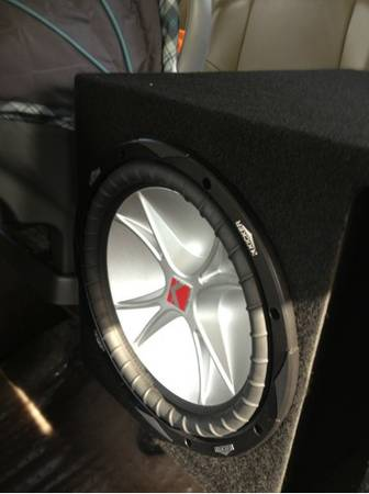 2-12 Kicker CVR in Box with Amp. - $250 (Inner Loop 610)