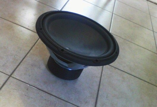 Memphis car audio 1000 watt with 12 JL audio subwoofer - $250