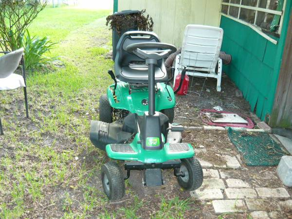 WEEDEATER ONE RIDING LAWN MOWER - $400 (LA MARQUE, TEXASWEEDEATER ONE)