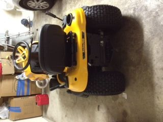Lawn Tractor in time for Spring - $925 (League City)