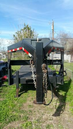 $5,900, 40FT CAR HAULER LOWBOY GOOSE NECK 07 Model WTandem 7 k axles