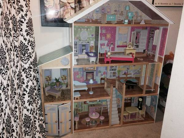 Great Deal on Dollhouse  -   x0024 79  Kingwood