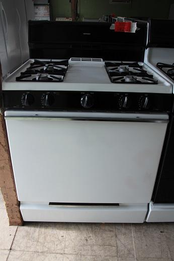 175  Hotpoint Gas Stove