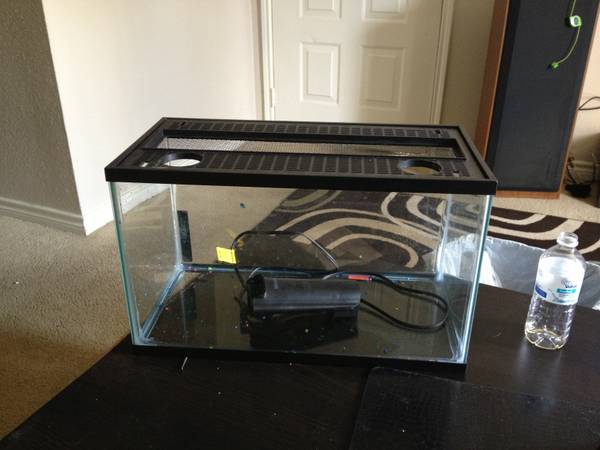 10 gallon fish tank wfilter and lid - $20 (Texas city)