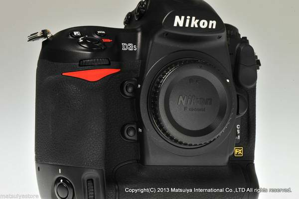 MINT  Nikon D3S 12 1 MP FULL FRAME Professional Body -   x0024 4000  Reliant Stadium