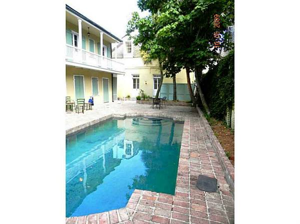 -  600   1br - Poolside Room  French Quarter