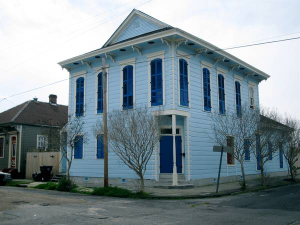 -  3000   5br - 3200ft sup2  - Jazz Fest Wk Two  14 Huge  Historic House w Pool  Sleeps 10-12   New Orleans Bywater
