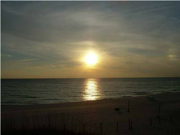 -  750   385ft sup2  - PANAMA CITY BEACH  August 3-10    GULF FRONT CONDO BY OWNER
