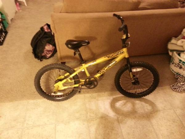 2 Kids Bikes 18  and 12 5  for sale -   x0024 1  Houma