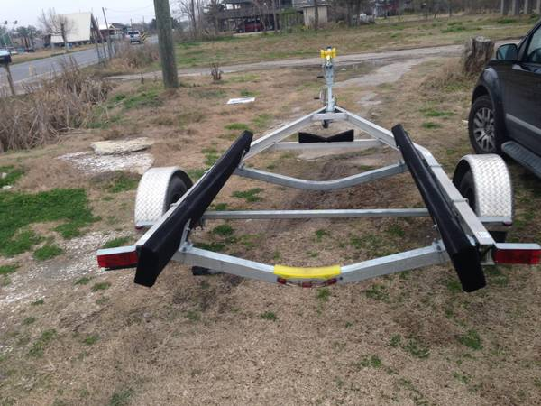 21 ft boat trailer two months old     -   x0024 2300  Houma