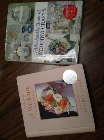 Wedding planner and wedding craft book -   x0024 8  Houma  Louisiana