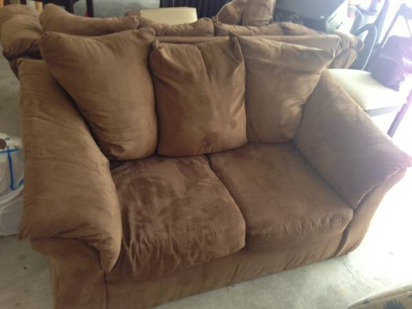 sofa, Loveseat, Dining Room Table w 4Chairs - $750 (Destrehan)
