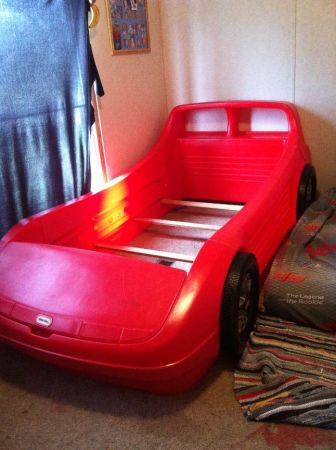 little tikes car bed - $75 (bayou blue)