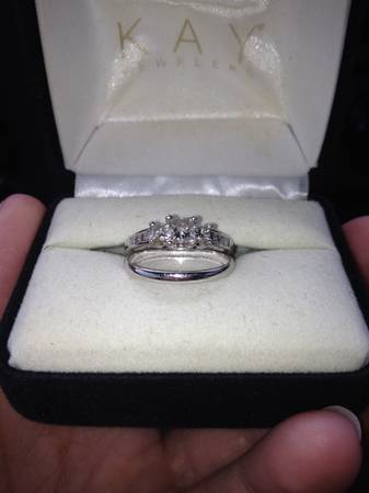 Wedding ring set -  800  Morgan city