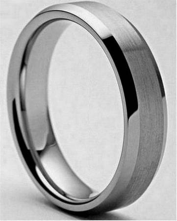 Stainless Steel Men s Brushed Center and Polished Edge Ring  -  71  Houma