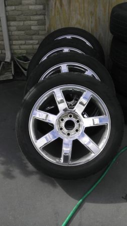 22inch Cadillac Escalade factory OEM wheels (Not Replica). - $2400 (laplace)