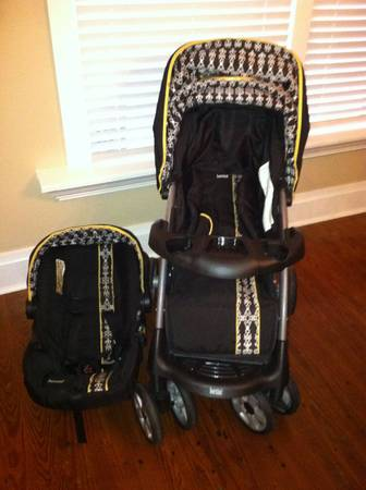 B5 Bertini Travel System - $150 (Houma, LA)