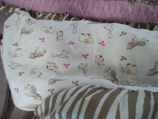 CoCalo Jacana 6 piece Crib bedding set - $100 (thibodaux)