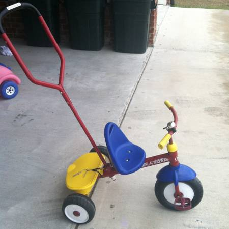 Radio Flyer Tricycle with handle - $40 (Thibodaux)