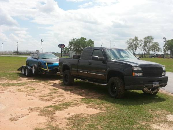 Economic Towing $60 in town Vehicles, Motorcycle, boat, large st  (Sealy, TX)